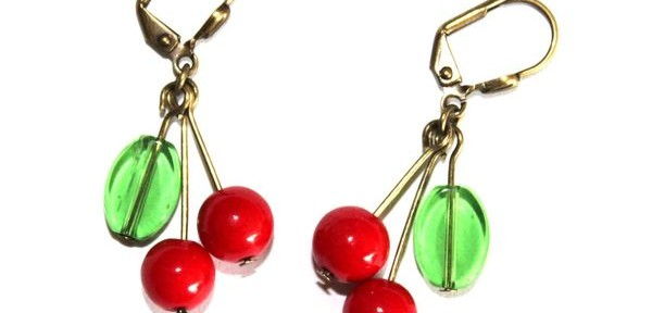 boucles d&#039;oreille cerises
